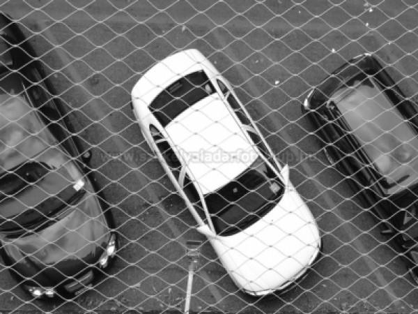 Őrzött parkoló